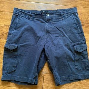 Men's Oakley cargo shorts size 36""